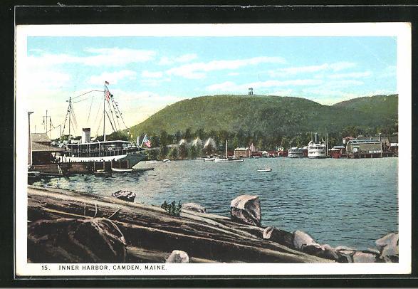 AK Camden, ME, Inner Harbor, Teilansicht mit Hafen und Dampfer