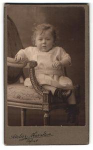 Fotografie Atelier Marakow, Erfurt, Portrait niedliches kleines Mädchen im weissen Kleidchen