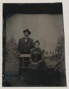 Fotografie Ferrotypie Ehepaar in feiner Sonntagsbekleidung