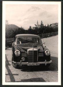 Fotografie Auto Mercedes Benz, schwarze Luxus-Limousine