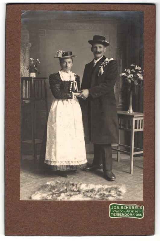 Fotografie Jos. Schubeck, Teisendorf, Portrait Braut und Bräutigam in Tracht