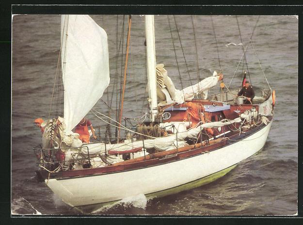 AK GST-Segeljacht Ernst Schneller bei einem Manöver