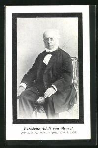 AK Maler Exzellenz Adolf von Menzel auf einem Stuhl sitzend
