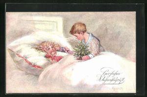 Künstler-AK Elly Frank: Brüderchen mit kleinem Weihnachtsbaum am Bett der Schwester, Weihnachtsgruss