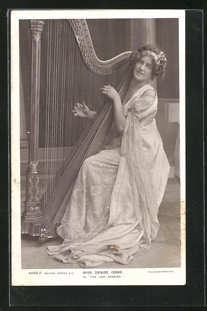 AK Miss Denise Orme, Frau spielt die Harfe