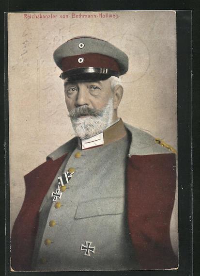 AK Reichskanzler von Bethmann Hollweg in Uniform mit Eisernen Kreuzen
