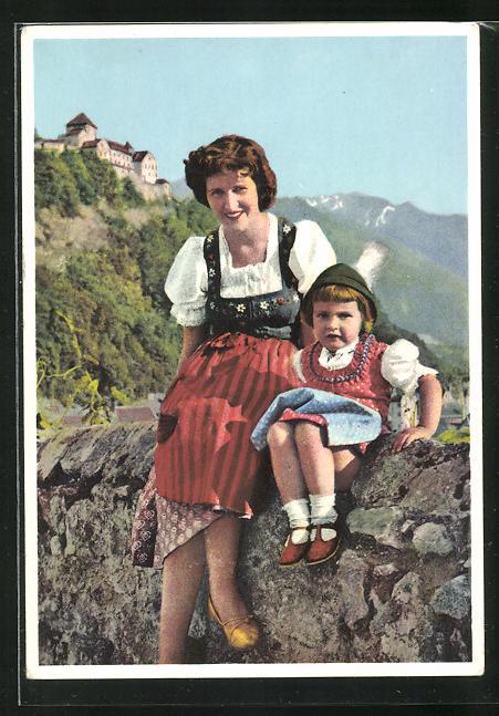 AK Baroness Virginia von Falz-Fein mit ihrer Tochter Ludmila