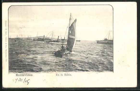 AK Montevideo, En la Bahia, Segelboot auf Wasser mit Dampfern