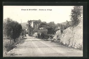 AK Moureze, Entree du Village