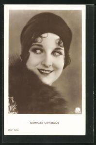 AK Schauspielerin Gertrude Olmstead mit Hut und Pelz