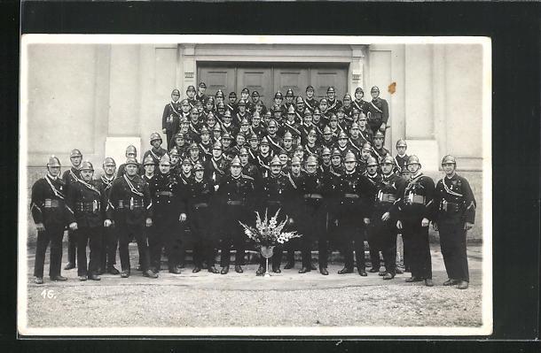 Foto-AK Gruppenfoto der Feuerwehr St. Gallen