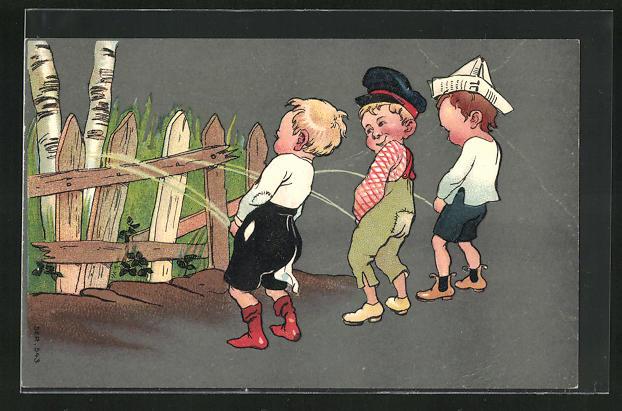 AK Drei Lausbuben urinieren an alten Zaun