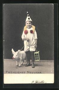 AK Junge in Clownskostüm mit Schwein an Leine, Neujahrskarte