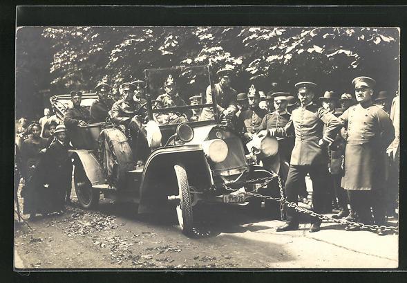 AK Bad Bertrich, Automobil mit Soldaten hängt an Eisenkette