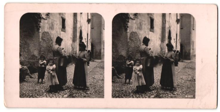 Stereo-Fotografie Ansicht S. Giovanni am Comersee, Frauen und Kinder