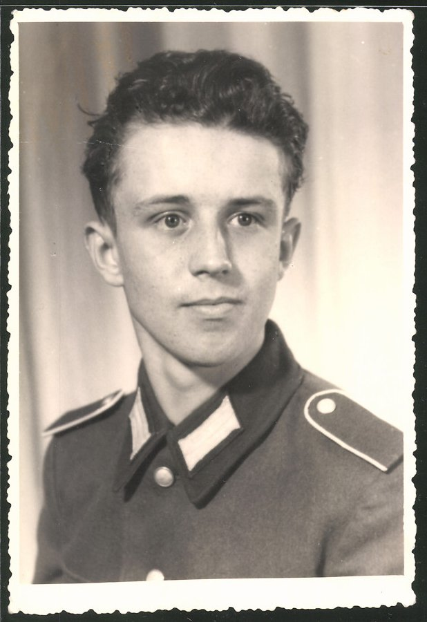 Fotografie Portrait Soldat der NVA in Uniform
