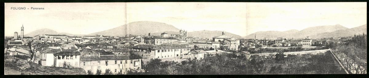 Klapp-AK Foligno, Panoramablick auf die Stadt