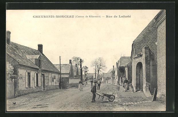 AK Chevresis-Monceau, Rue de Laferte, Strassenpartie
