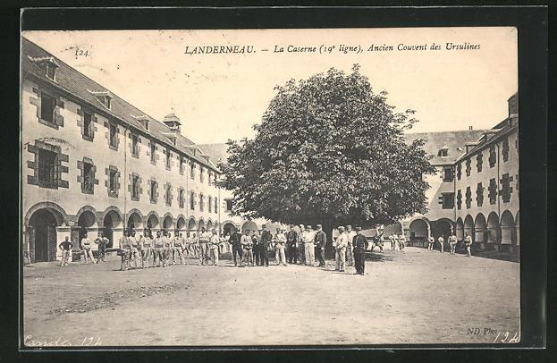 AK Landerneau, La Caserne, Ancien Couvent des Ursulines