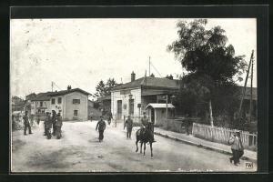 AK Igney-Avricourt, Soldaten am Bahnhof