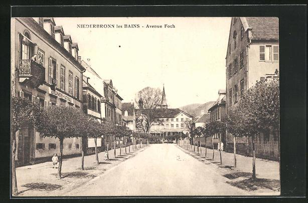 AK Niederbronn les Bains, Avenue Foch, Gendarmerie Nationale