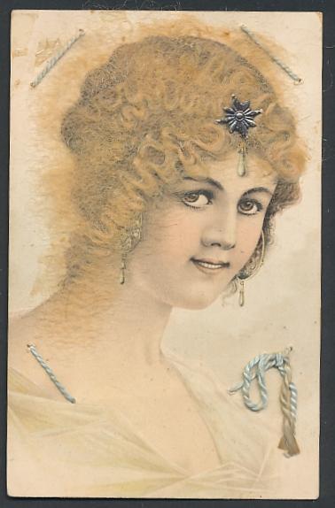 Echt-Haar-AK Schönheit mit Silberstern im blongelockten Haar