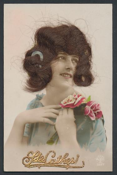 Echt-Haar-AK Ste. Catherine, Frau mit brünetten Locken