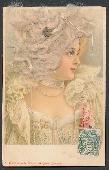Echt-Haar-AK Dame mit hellblonden Locken in elegantem Gewand 0