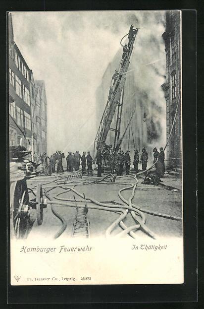 AK Hamburg, Feuerwehr löscht einen Brand