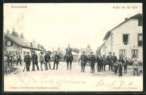 AK Cote de St-Die, Grenzbild mit Soldaten in Uniformen mit Pferd
