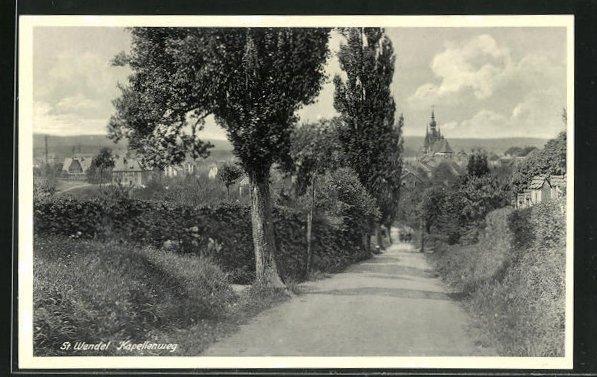 AK St. Wendel, Kapellenweg mit Blick auf Ort und Kirche