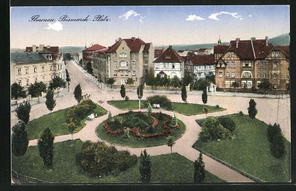 AK Ilmenau, Strassen am Bismarckplatz mit Grünanlage