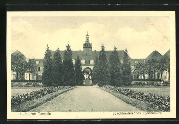 AK Templin, Joachimstalsches Gymnasium mit Denkmal