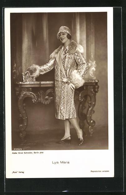 AK Schauspielerin Lya Mara im Kostüm einer Filmrolle
