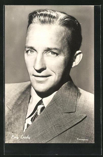 AK Schauspieler Bing Crosby im Anzug porträtiert