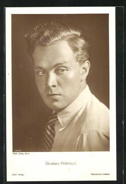 AK Schauspieler Gustav Fröhlich erschrocken zur Seite schauend
