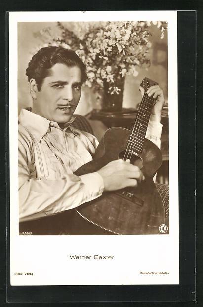 AK Schauspieler Warner Baxter mit Gitarre im Kostüm einer Filmrolle