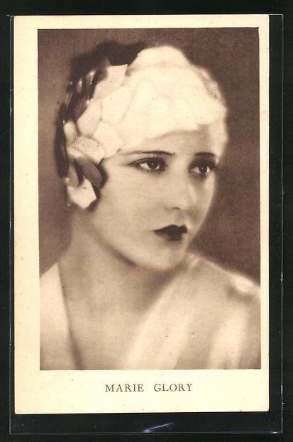 AK Schauspielerin Marie Glory im Kostüm einer Rolle