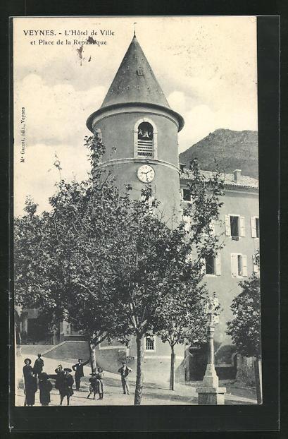 AK Veynes, L`Hotel de Ville et Place de la Republique