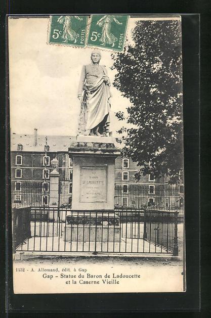 AK Gap, Statue du Baron de Ladoucette et la Caserne Vieille