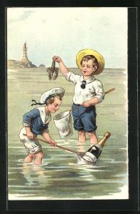 AK Zwei Jungen fischen eine Sektflasche aus dem Wasser
