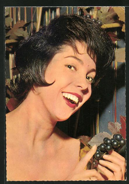 AK Schauspielerin Corry Brokken lachend