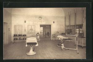 AK München-Nymphenburg, Krankenanstalt des III. Ordens, Teilansicht des grossen Operationssaals