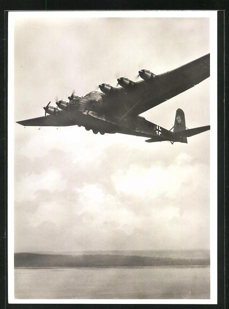 AK Grossraumtransporter Messerschmitt Me 323 Gigant im Tiefflug über einem See