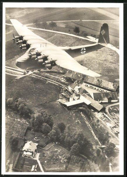 AK Grossraumtransporter Messerschmitt Me 323 Gigant fliegt einen Einsatz