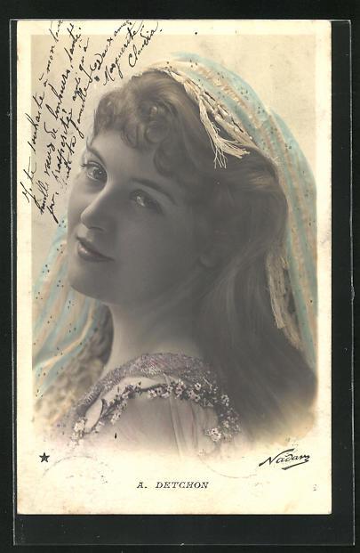 Foto-AK Nadar Nr. 769: Portrait von A. Detchon mit Kopftuch