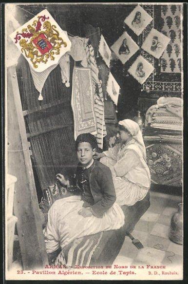 AK Arras, Exposition du Nord del la France, Pavillon Algerien, Ecole de Tapis