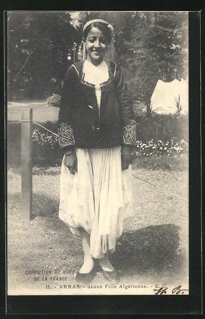 AK Arras, Exposition du Nord del la France, Jeune Fille Algerienne