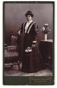 Fotografie Atelier Dahlem, Bingen a/Rh, Portrait gutbürgerliche junge Dame