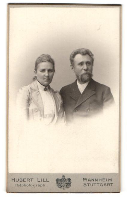 Fotografie Hubert Lill, Mannheim, Portrait bürgerliche Eheleute